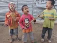 Маленькие музыканты доказали, что им даже не нужны инструменты