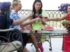 Женская дружба: мина замедленного действия или солнечный свет?