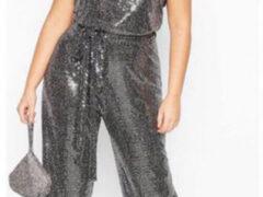 Заказав костюм для вечеринки, женщина стала похожа на расплавленный диско-шар