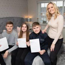Мама, подписавшая с детьми необычные контракты, штрафует их за неряшливость