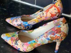 Креативная модница сделала гламурные туфли в стиле Диснея