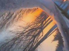 Иллюзионист с видеокамерой сумел перевернуть окружающий мир с ног на голову