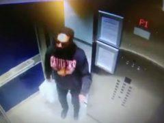 Пассажир лифта совершил омерзительный поступок, плюнув на кнопки