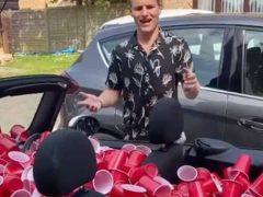 Стаканчики, предназначавшиеся для вечеринки, стали «начинкой» для машины
