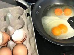 Женщина три дня подряд завтракала удивительной яичницей