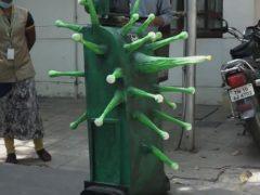 На улицы выпустили роботов, выглядящих как коронавирус