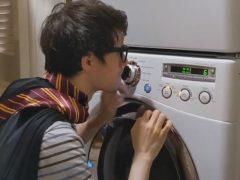 Музыкальная тема из популярного фильма была сыграна на стиральной машине