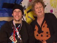 Именинник-аутист пришёл в восторг, получив тысячи открыток и подарков