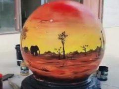 Каменные шары на улицах стали для художницы источником вдохновения