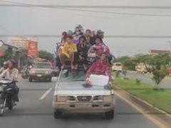 Автомобилистов поразило большое семейство, совершившее поездку на одной машине