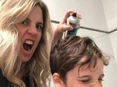 Мать семейства объяснила, почему щедро опрыскивает детские шевелюры лаком для волос