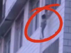 Из-за начавшегося пожара маме и её сыну пришлось прыгать с балкона