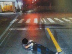 Полицейские устали бороться с любителями спать на дороге