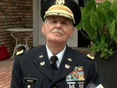 Пожилой ветеран наконец-то получил диплом об окончании средней школы