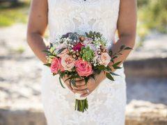 Невеста превратила мамино свадебное платье в бельё для первой брачной ночи