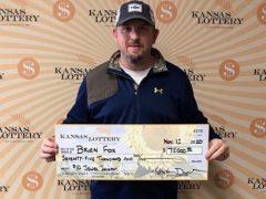 Мужчина выиграл деньги благодаря тому, что билеты его любимой лотереи закончились
