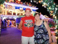 Супруги, обожающие Рождество, решили на сей раз обойтись без украшений