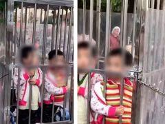 Чтобы детишки не потерялись на рынке, их заперли в клетке