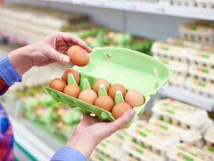 Хитроумная покупательница придумала, как сэкономить на яйцах