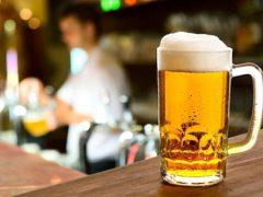 Клиент, зашедший выпить пива, порадовал персонал ресторана грандиозным чаевыми
