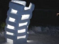 Скульптору потребовалось две тонны снега, чтобы построить необычную башню