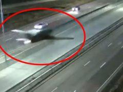 Самолёт приземлился на шоссе и стал участником ДТП