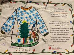 Бабушка связала внучке свитер, взяв за основу детский рисунок