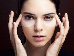 Как сохранить кожу вокруг глаз в тонусе?
