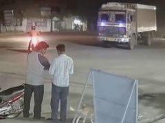 Незнакомцы, удачно разминувшиеся с грузовиком, считают это настоящим чудом