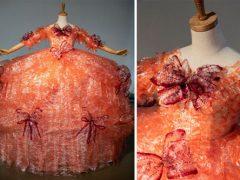 Тысячи обёрток от крекеров превратились в платье