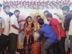 Свадебные гости одарили молодожёнов топливом