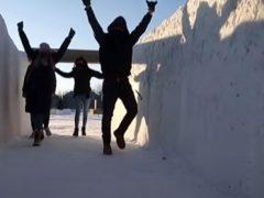 Рекордный снежный лабиринт стал ещё больше ради социальной дистанции