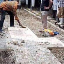 Рабочие и торговцы испугались, обнаружив на рынке таинственный крест
