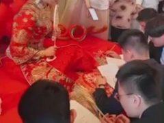 Жених и его друзья, приехавшие за невестой, прошли тест по английскому языку
