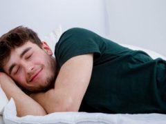 Эротические сны: психолог рассказал, почему они снятся и как их контролировать