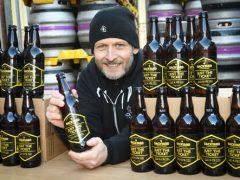 Миллионера, который может не успеть получить свои деньги, ищут с помощью пива