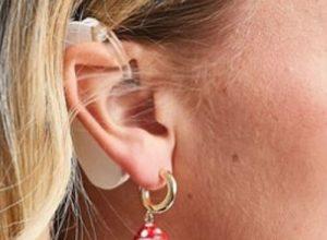 Модель с нарушением слуха растрогала пользователей соцсетей